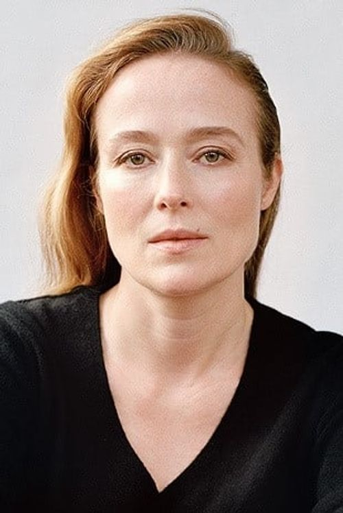 Key visual ofJennifer Ehle